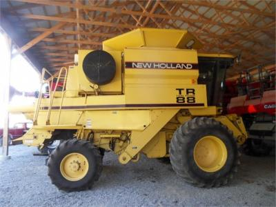 1997 NEW HOLLAND TR88 59859