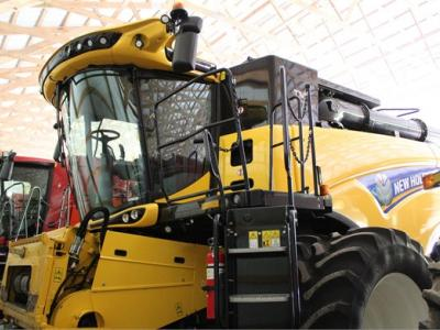 2017 NEW HOLLAND CR8.90 63890