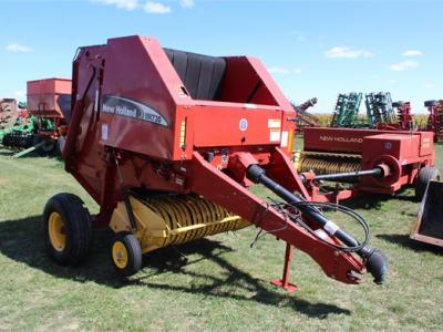 2004 NEW HOLLAND BR730 64748
