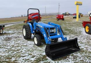 NEW HOLLAND WORKMASTER 25 62482